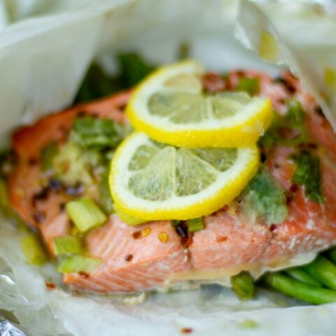 SALMON EN PAPILLOTE: SALMON & VEGETABLES BAKED IN PARCHMENT PAPER (30 MINUTE MEAL)