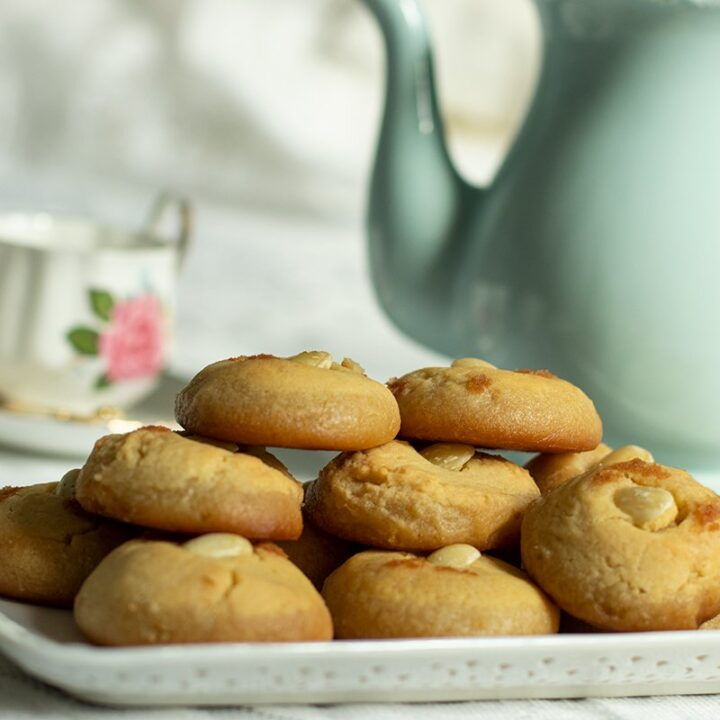 Seker Pare Semolina Cookies