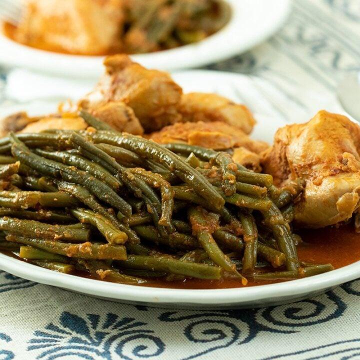 Greek Fasolakia me Kota: Braised Chicken with String Beans