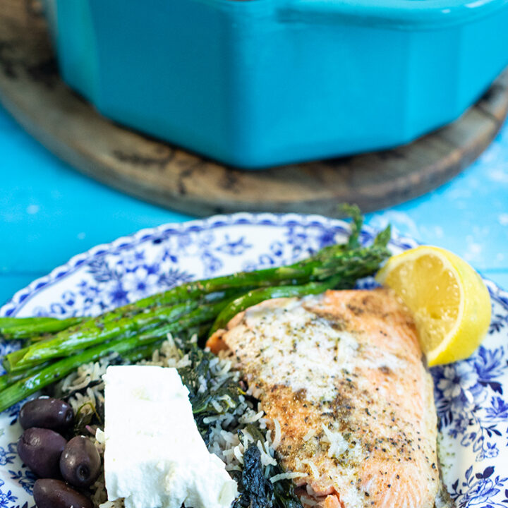 A Greek Dinner Ready in 1 Hour (Spanakorizo &  Salmon)