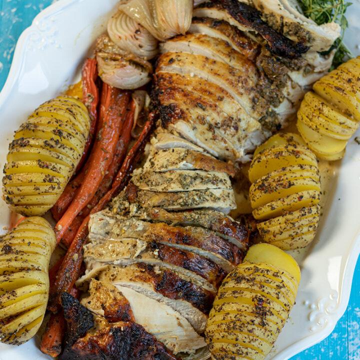 Juicy Roasted Turkey Breast & Gravy