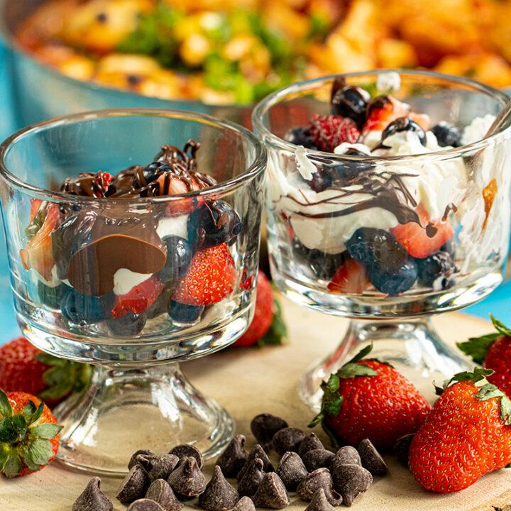 Dessert in 10 Minutes: Berries, Cream & Chocolate